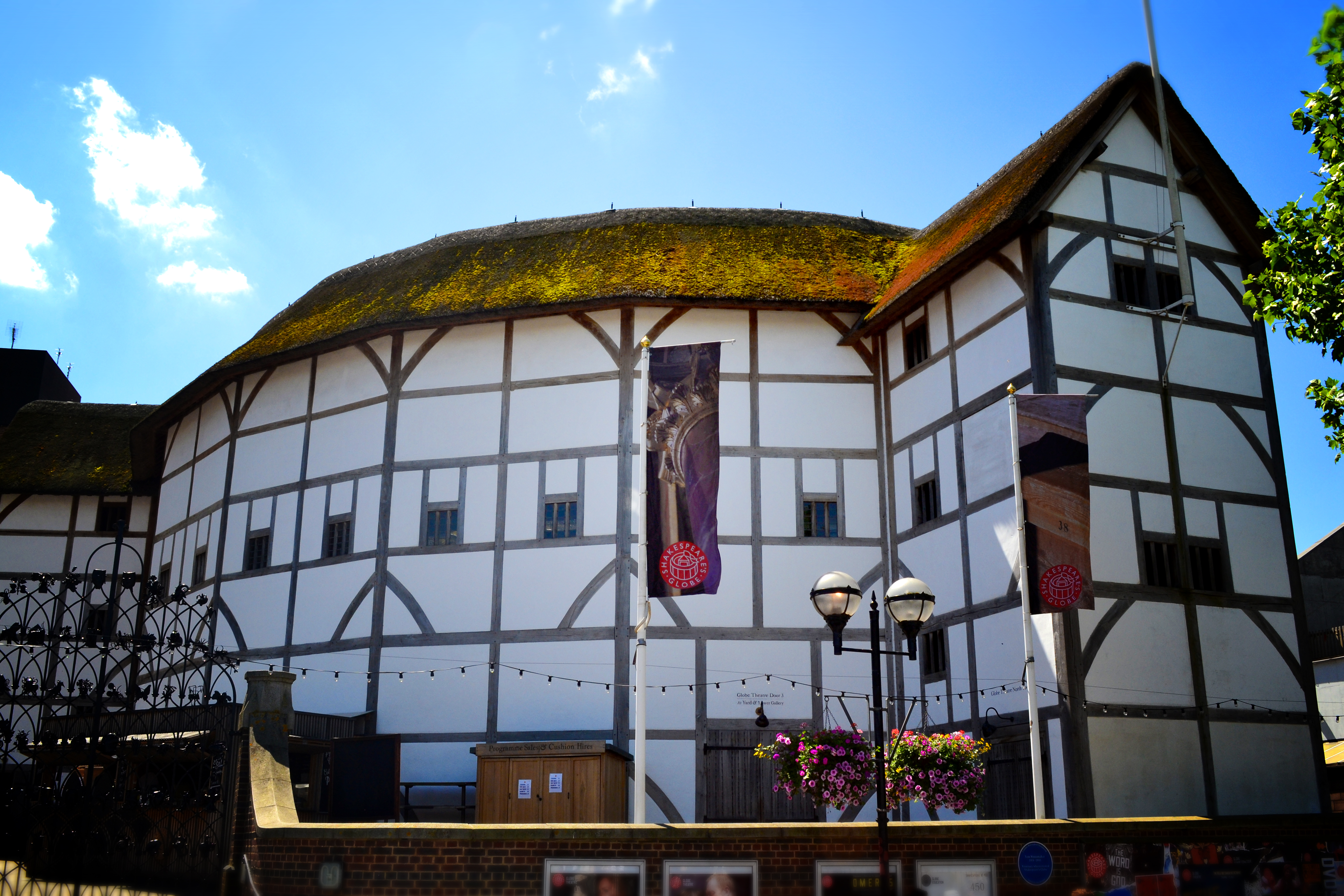 Shakespeare S Globe In Pictures