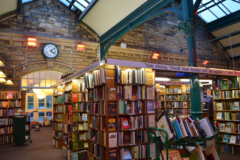 Barter Books clock